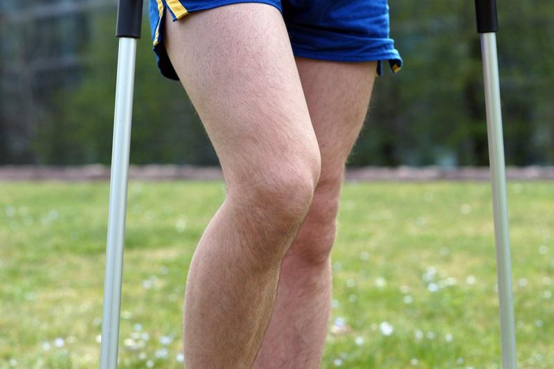 Knie Zerrung